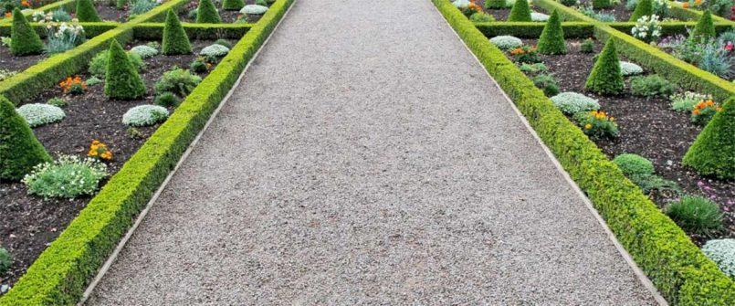 Formal gravel driveway