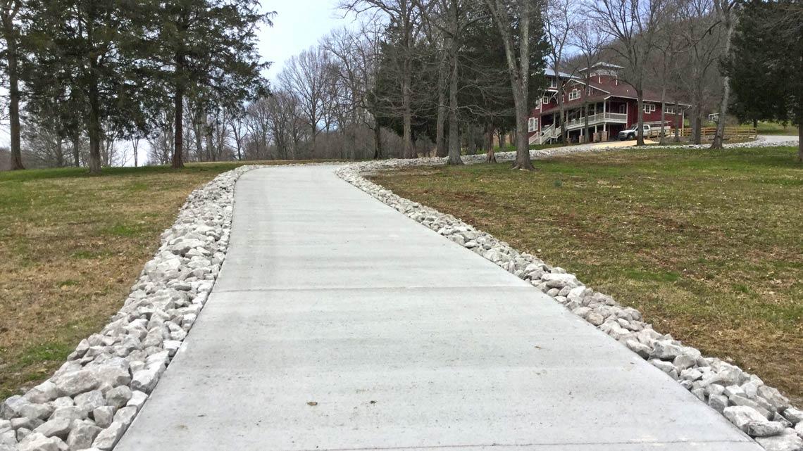 Concrete driveway to house Nashville